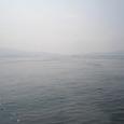 51 広島湾で遠く船を望む
