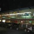 写真28 夜の高雄駅