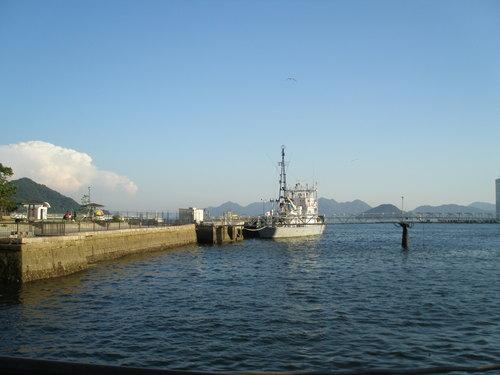 46 陸軍桟橋横の海上保安庁艦船