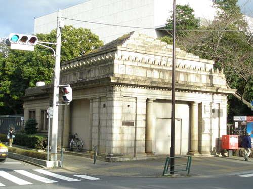 旧・博物館動物園駅1