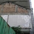 写真7 台北市内 屋根のトマソン